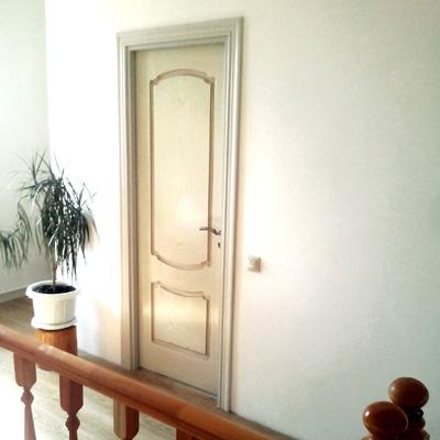 установлена межкомнатная дверь Casaporte