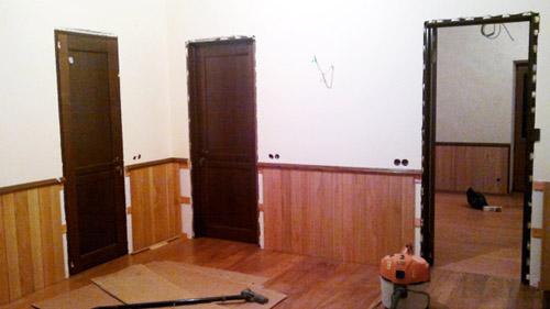 Устанавливаем двери Волховец